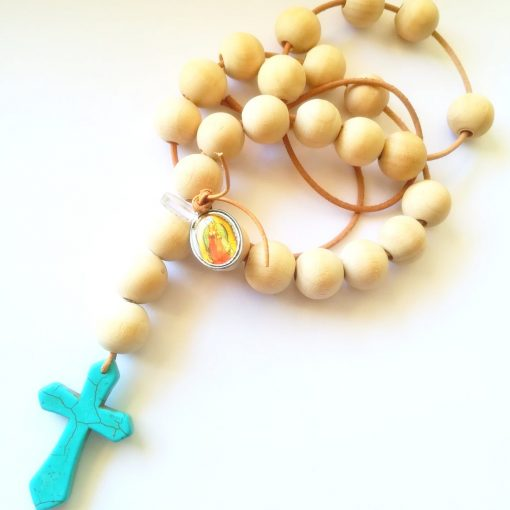 chapelet perles blanches croix turquoise II